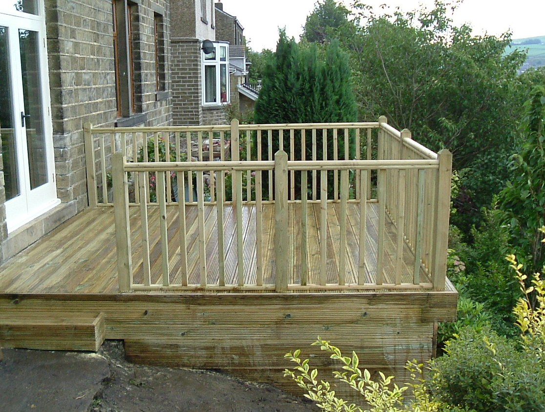 Decking kit x with balustrade on 3 sides ukdeckit for 4 8 meter decking boards