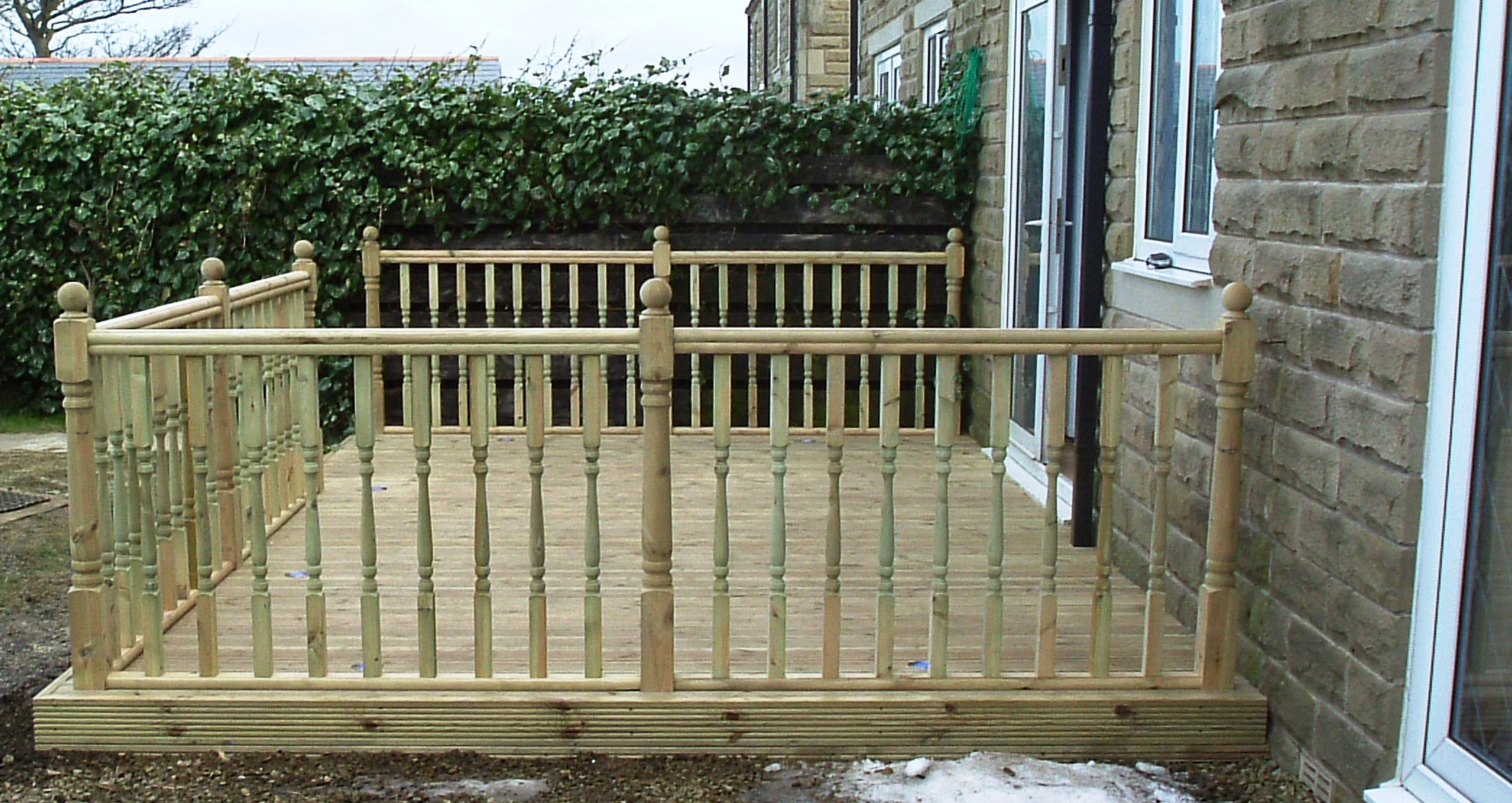 Decking kit uk 3 SIDED BALUSTRADE